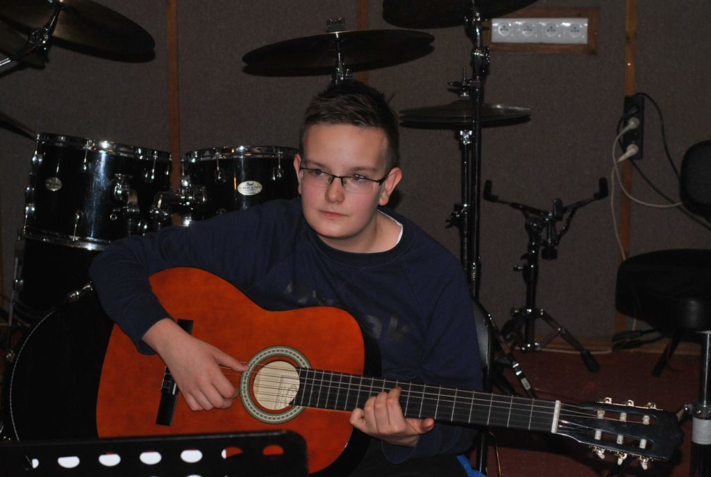 04-nauka-gry-na-gitarze