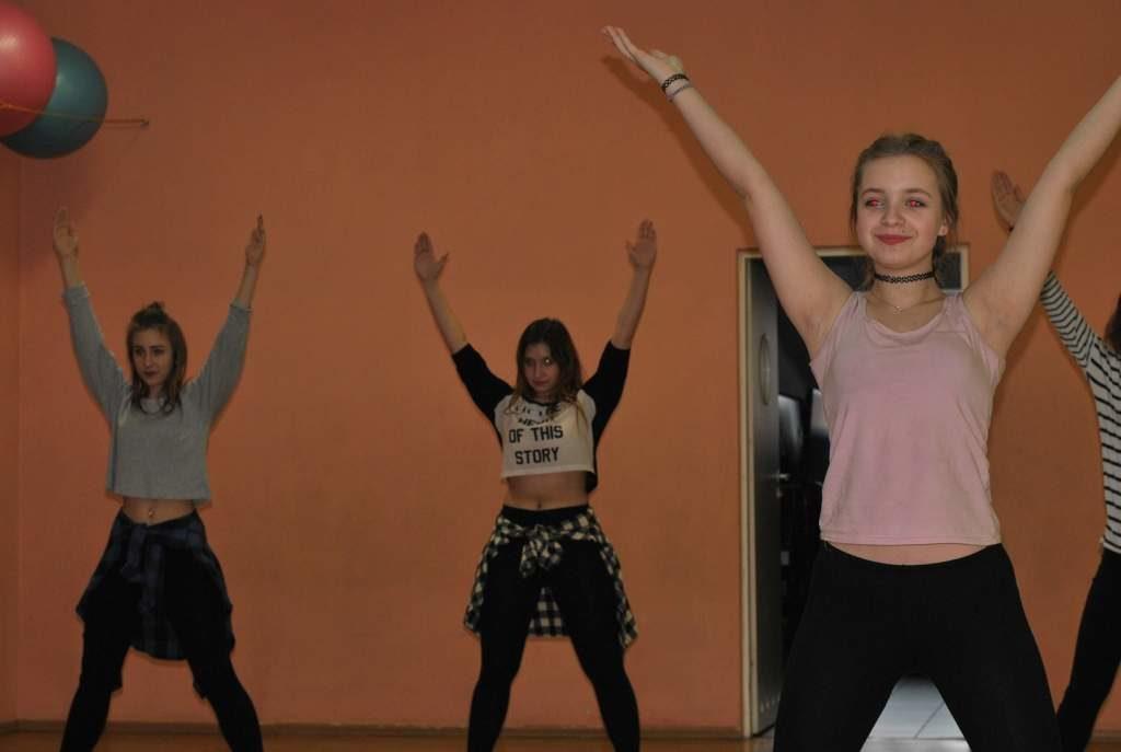 Zajecia-taneczne-13+-PCKiS-03