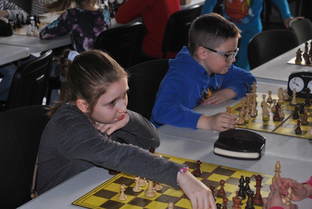 03-szachy