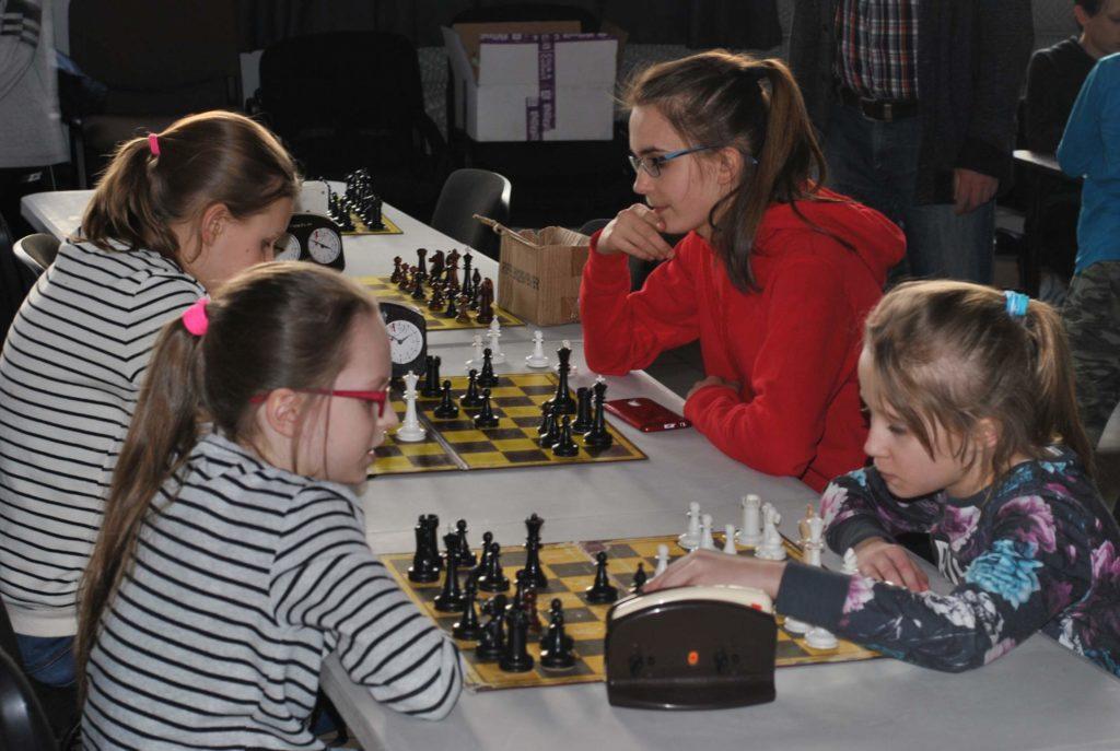04-szachy