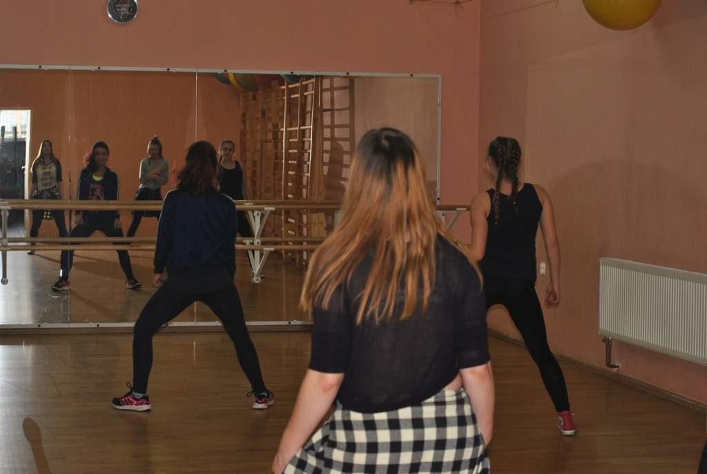 Zajecia-taneczne-13+-PCKiS-04