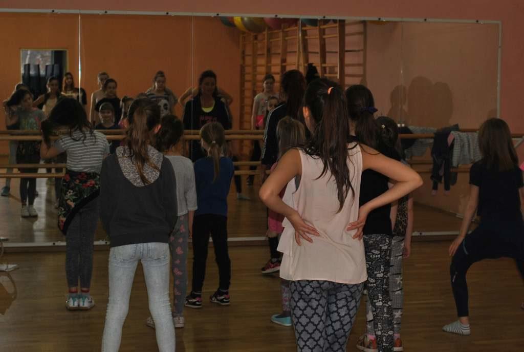 Zajecia-taneczne-7-12-PCKiS-10